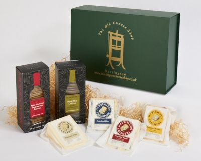 <p>Derbyshire Cheese Hamper &#124; Peakland cheese &#124; Hartington Cheese Shop</p>