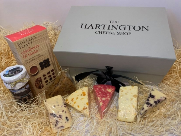 <p>Crackers, Chutney Wensleydale with blueberry White stilton with mango & ginger Red windsor (with port and brandy) White stilton with apricot Wensleydale and cranberry Sticky toffee cheddar.</p>