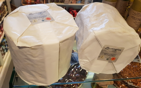 <p>A whole Hartington 'mini' Stilton from the Hartington Creamery</p><p>Approximately 2.4kg of Hartington's finest Stilton</p>
