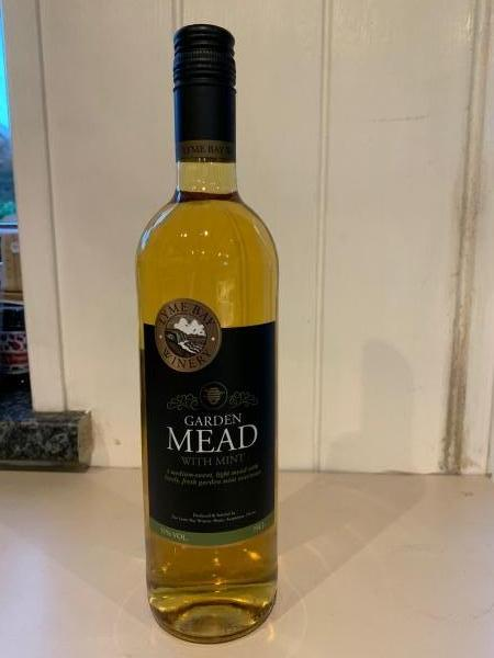 <p>A medium-sweet, light mead with lovely fresh garden mint overtones. A great accompaniment to any dessert and also stunning when served chilled over ice.</p><p>11% vol.</p>