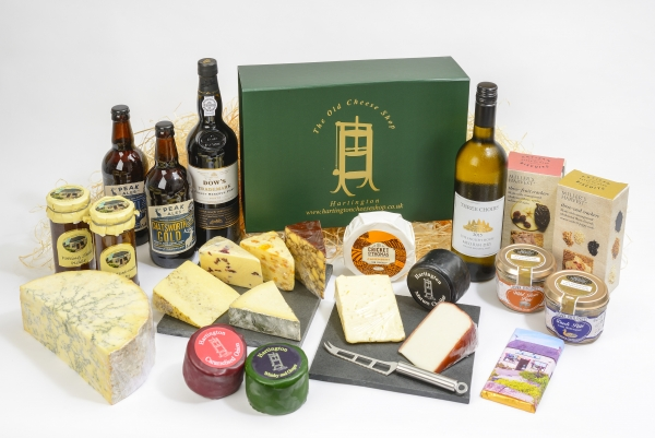 <p>1 kg Hartington Stilton<br />- Hartington Mature Cheddar Truckle (approx 200g)<br />- Hartington Whiskey and Ginger Truckle (approx 200g)<br />- Somerset Camembert (approx 200g)<br />- Ribblesdale Smoked Goats Cheese (approx 150g)<br />- 3 Fruit cheeses - various (approx 150g each)<br />- Cornish Yarg (approx 150g)<br />- Irish Porter (approx 150g)</p>