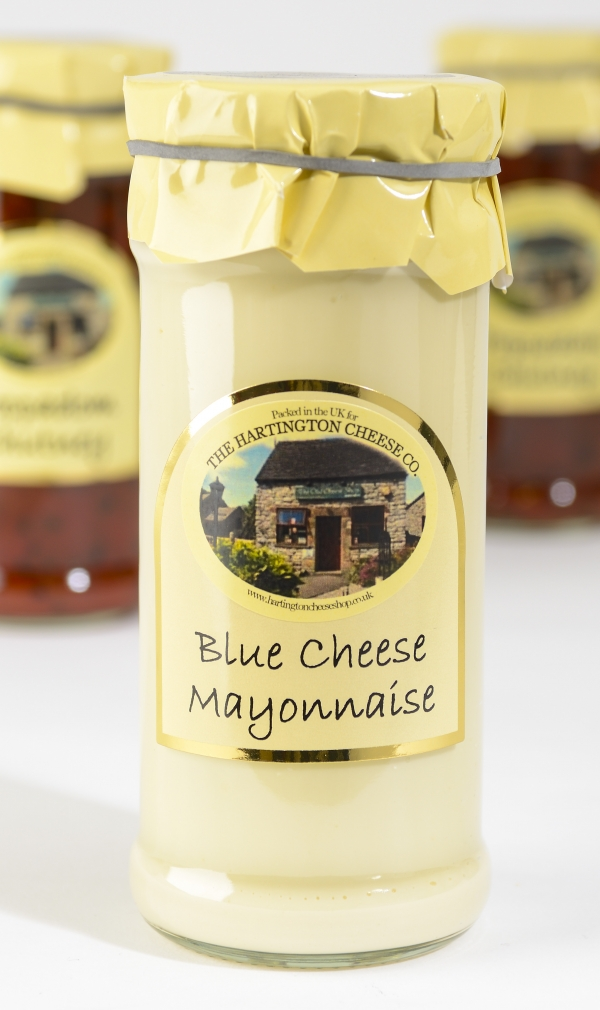 <p>A creamy blue cheese mayonnaise.</p>