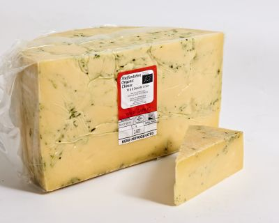 <p>Staffordshire Mature Cheddar&nbsp;with Wild Garlic &#124; Hartington Cheese Shop</p>